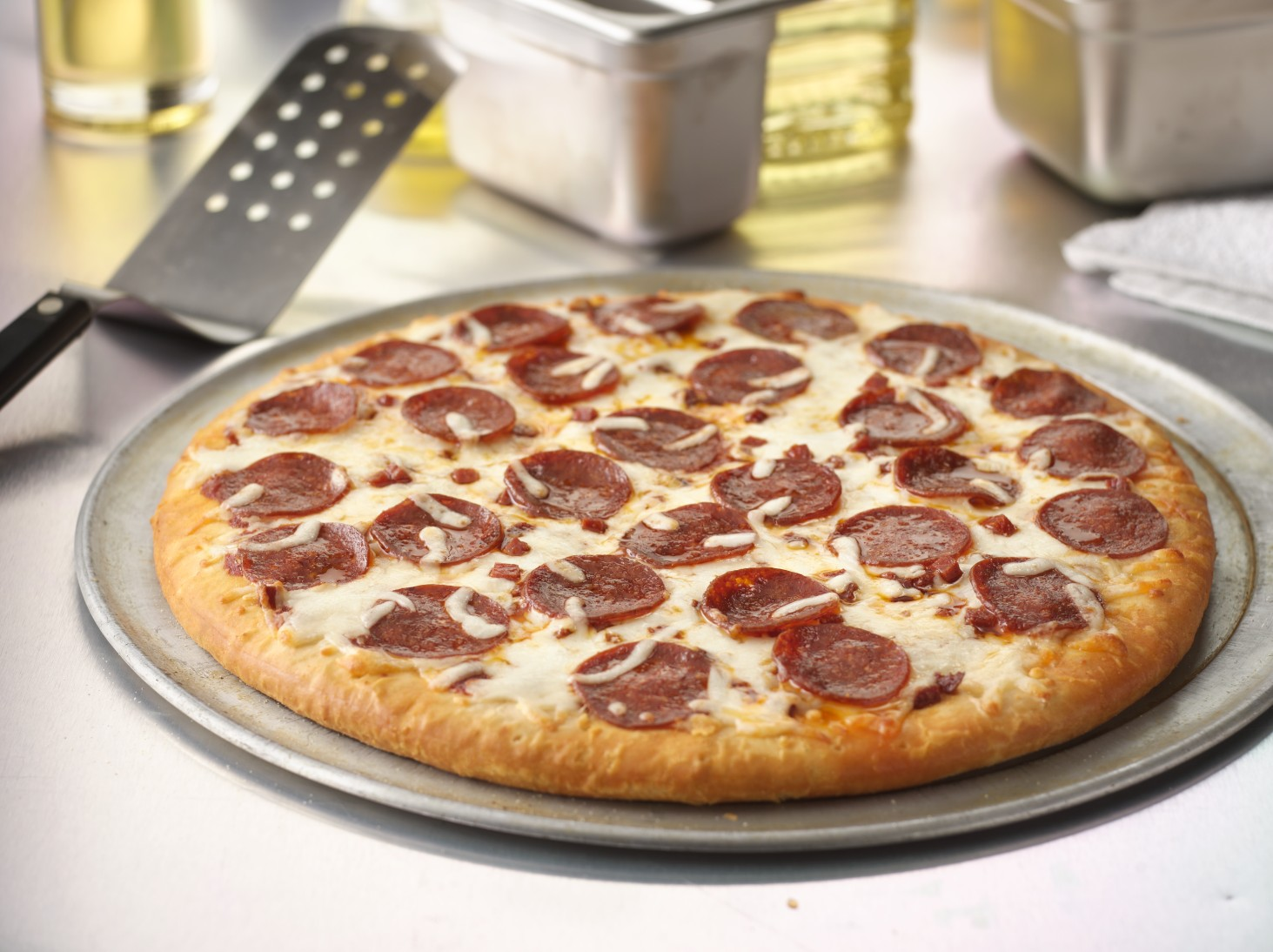 villa_prima_oven_ready_14_par_baked_pepperoni_pizza-68598