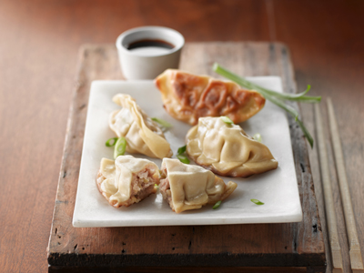 minh_09_oz_pork_potsticker-69156