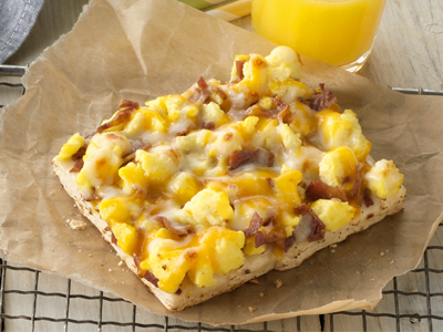 tony_s_51_wg_bacon_scramble_breakfast_pizza-78353